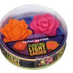 Drijvende lichtgevende bloemen